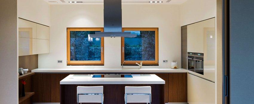Küche Holz-Alu Fenster